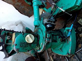 Бензопила Урал со снятой головкой цилиндра