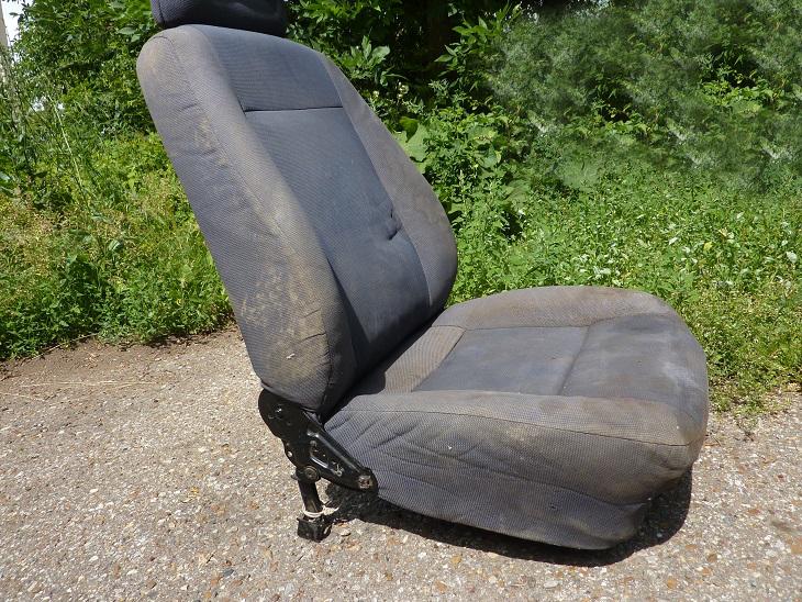 Переднее кресло автомобиля Chery Amulet